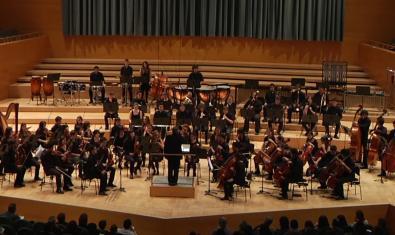 L'Orquestra Simfònica del Conservatori Municipal de Música de Barcelona durant una actuació a L'Auditori