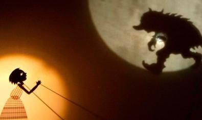 Amalia y las sombras lunares