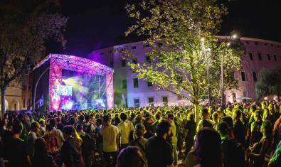 Un dels concerts celebrats a Ciutat Vella com a part d'aquest festival dedicat a les noves expressions musicals