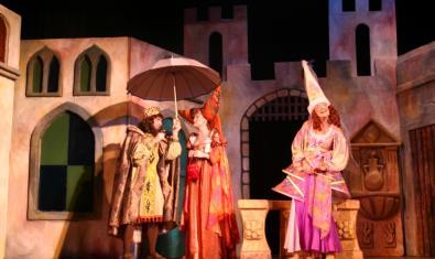Reyes y princesa en el escenario