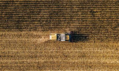 Imagen de una cosechadora de cereales
