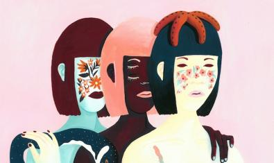 Un retrat de tres dones guarnides amb plantes que es pot veure a l'exposició