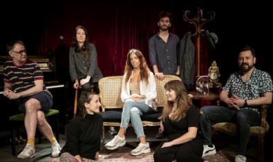 Retrato del equipo de actores y actrices que han grabado este montaje de radioteatro