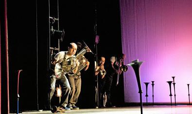 El quintet durant l'espectacle