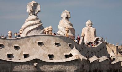 Façana i terrat de La Pedrera