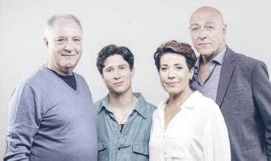 D'esquerra a dreta: Jordi Bosch, Roger Vilà, Emma Vilarasau i Jordi Martínez, els intèrprets de l'obra