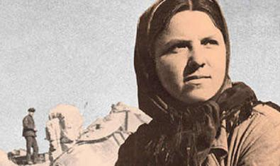 Portada del llibre 'La guerra no té cara de dona', de Svetlana Aleksiévitx