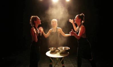 Les tres ballarines a l'escenari