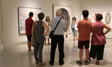 Podeu fer una visita guiada per l'exposició 'Monòleg, diàleg i concepte' a Can Framis