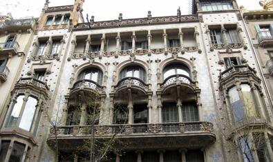 Imatge de la façana de Domènech i Montaner