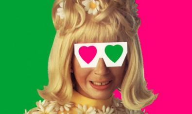 L'actriu Anna Barrachina caracteritzada d'Estrellita al cartell de 'Cegada de amor'