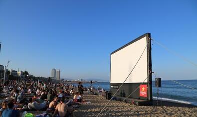 Imatge d'una edició anterior del Cinema Lliure a la Platja