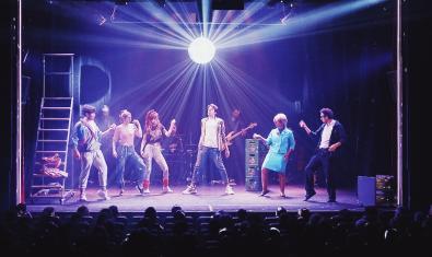 Una escena del musical 'Como una canción de los 80'