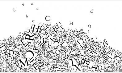 Letras que caen del cielo y se amontonan formando una montaña
