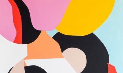 Una de las obras abstractas del artista Juan Sesé que se pueden ver en La Plataforma con manchas de color amarillo negro rosa y blanco