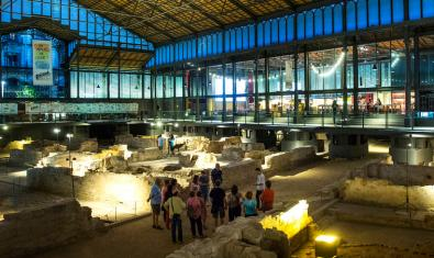 Night guided routes in the Born Centre de Cultura i Memòria