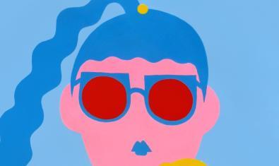 Una de las figuras femeninas de la artista realizadas con formas simples y colores vivos