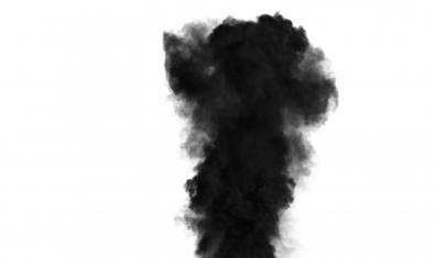 Una columna de humo negro sirve de imagen al espectáculo