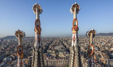 Està previst acabar el temple de la Sagrada Família l'any 2026, coincidint amb el centenari de la mort d'Antoni Gaudí