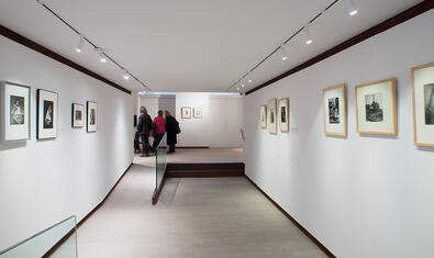 La galeriase encuentra en Consell de Cent, 286