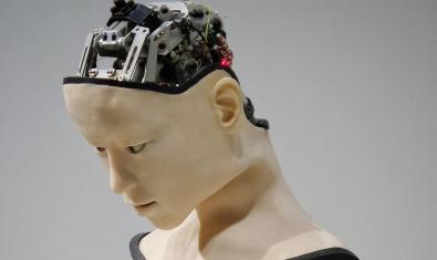 Imagen de un maniquí cyborg