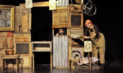 Fotografia de l'espectacle, els dos actors a escena