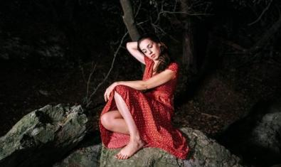 Gemma Humet at the cover of her album 'Màtria'