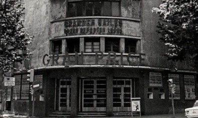 Una antigua fotografía muestra la fachada de la antigua sala del barrio de Sant Antoni