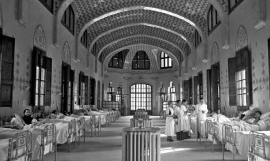 A nursing room at the Hospital de la Santa Creu i Sant Pau during the Civil War