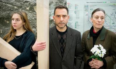 Els tres intèrprets de l'obra 'Instruccions per enterrar un pare'