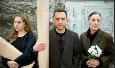 Els tres intèrprets de l'obra, d'esquerra a dreta: Sara Diego, Eduard Buch i Teresa Vallicrosa