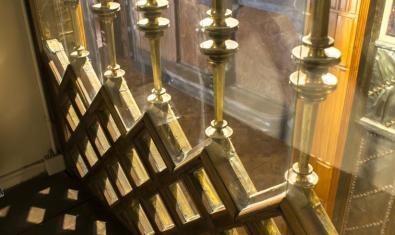 Detalle del interior de la capilla del Palau Güell. © Ramon Manent / Diputació de Barcelona