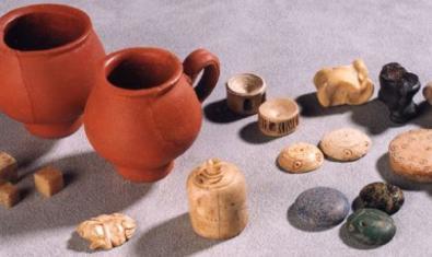 Cerámica y juegos de la época romana