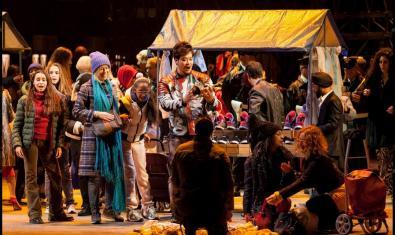 Una animada escena de 'La Bohème'