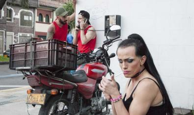 'La noche sin tiempo', un recorregut d'audioteatre pels carrers del Raval