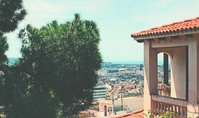 Vista de la ciudad desde los dependencias de esta asociación del barrio de La Salut