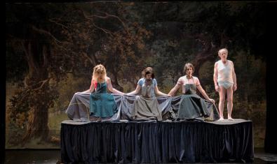 Una escena de la obra 'Lear. La caça de l'home'