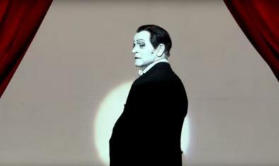 El protagonista, Mikhail Baryshnikov, a l'escenari amb una mirada desafiadora.