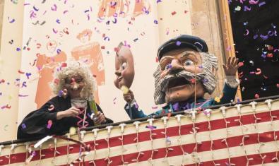 Fiesta en el balcón de La Casa dels Entremesos. Foto: Clara Soler.