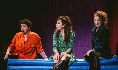 Meritxell Huertas, Alícia González Laá y Aina Quinones en 'Los monólogos de la vagina'