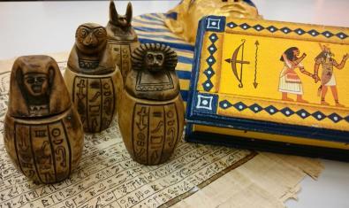 Objetos egipcios del museo