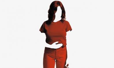 La silueta de una mujer con una mano puesta sobra la barriga.