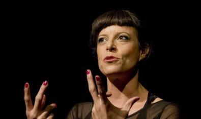 Luz Domínguez en 'Mi vecindario'. © Josep Tobella