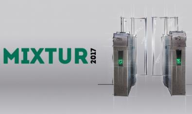 La fotografía de unas máquinas de control de acceso al metro, en el cartel del Mixtur de este año