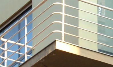 Detall d'un edifici de l'arquitecte Sert que es visita en el recorregut