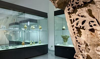 Vitrines de l'espai dels visigots al museu