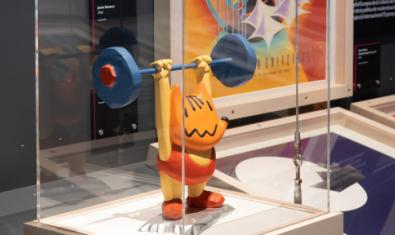Figura del Cobi, mascota de los Juegos Olímpicos de Barcelona 92