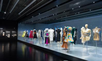 'El cos vestit. Siluetes i moda (1550-2015)'