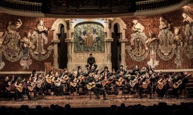 La Orquestra Guitarres Barcelona en un concierto en el Palau de la Música