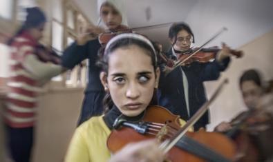 Fotografía de Fernando Moleres que forma parte de la exposición de una orquesta de mujeres ciegas de El Cairo